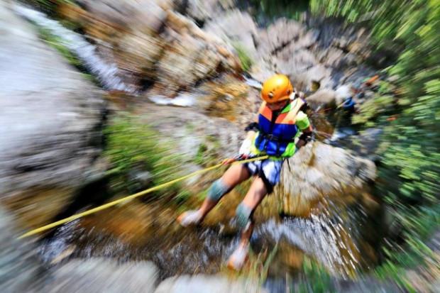 Drakensberg rap jumping and rappelling